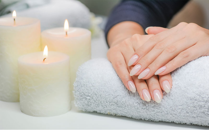 How to do Candle Manicure to Moisturize the Skin in winters?