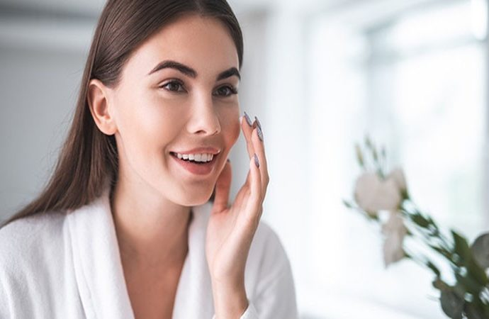Make your Skin Soft and Glowing by 5 Moisturizer in your Kitchen